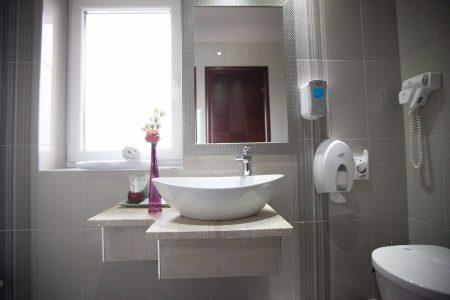 baie camera dubla matrimoniala standard (3)(1)